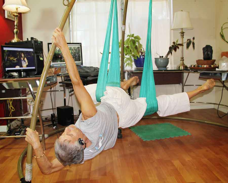 desk-exercise-for-back-pain-suspension-stand